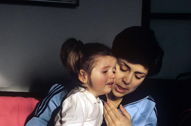 Ирина Роднина с дочерью Еленой, 1988 г.