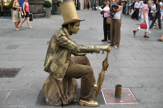 Живая скульптура в Вене (Австрия).