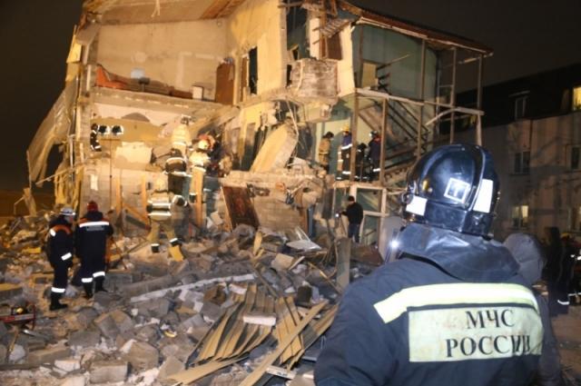 Из под завалов спасатели извлекли двух погибших.