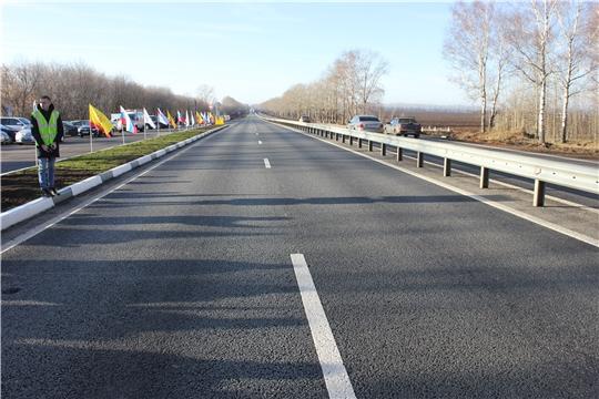 По капитальному ремонту и ремонту автомобильных дорог в городских округах в рамках нацпроекта «Безопасные и качественные автомобильные дороги» все работы завершены, всего отремонтировано 29,8 км.