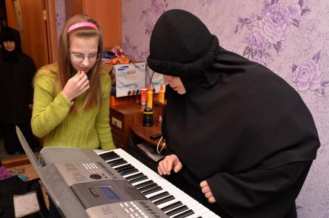 12-летняя Ксюша из посёлка Восточный точно верит в добрых волшебников - о таком рождественском подарке она могла только мечтать!