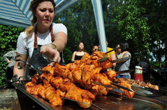 фестиваль барбекю в Омске