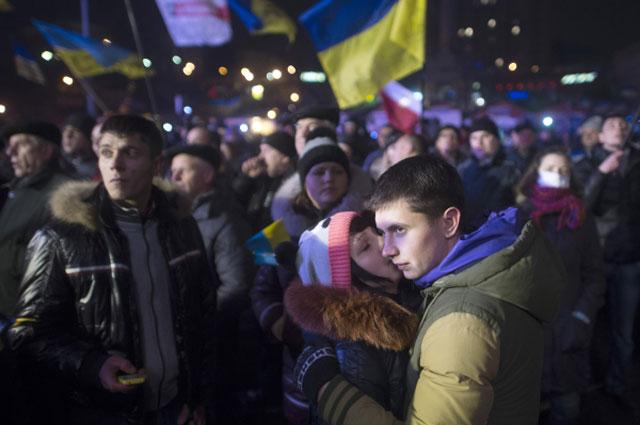 Ночь на площади Независимости в Киеве
