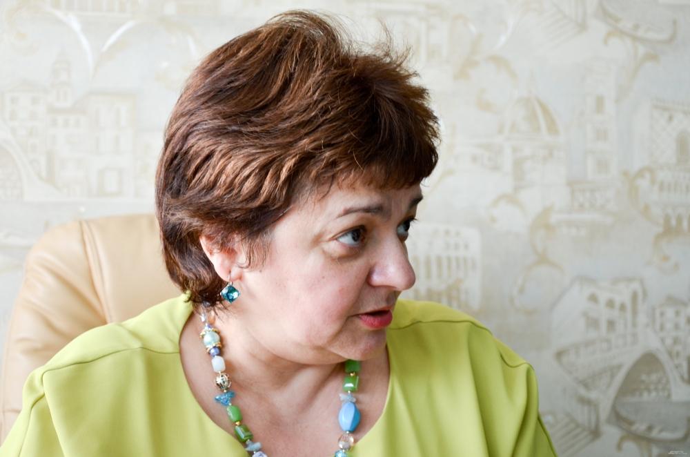 Лариса Владимировна – признанный эксперт в сфере социального сиротства. В беседах с будущими мама она любит приводить примеры из собственного опыта. Коллеги называют такой метод «терапия реальностью».