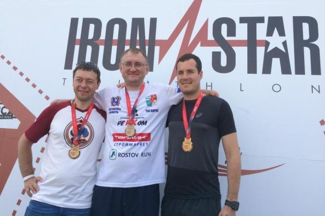 В 2017 году Сергей завоевал титулы чемпиона России и Москвы по паракаратэ, стал призёром соревнований по триатлону среди здоровых спортсменов, пробежав на протезах дистанцию в 21 километр