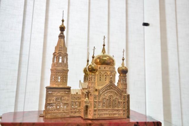 Ювелирная копия Успенского собора.