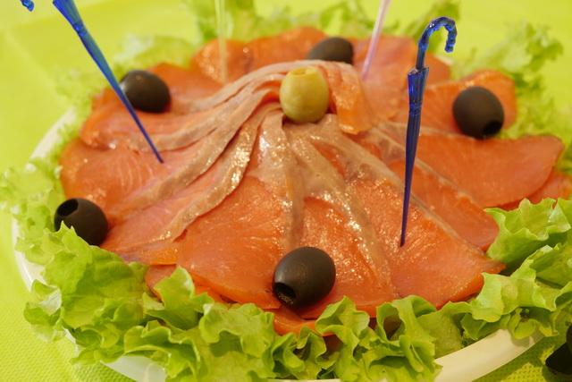 Камчатские производители представили рыбную, молочную, хлебобулочную продукцию и др.