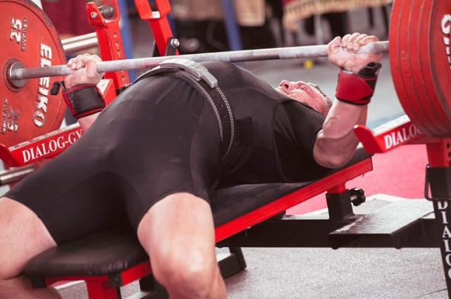 Для Сергея тренировки - отдых