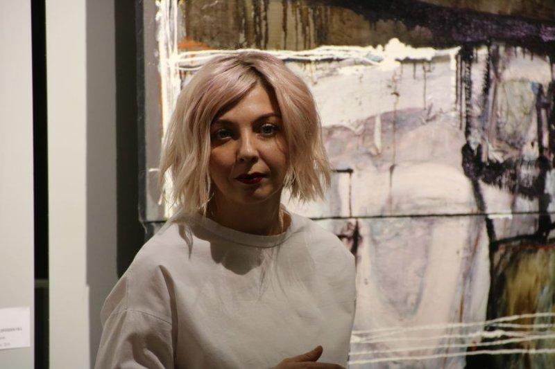 В своем творчестве Екатерина Поединщикова совмещает разные техники: живопись, фото, цифровой и видео коллаж.