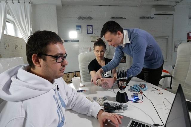 Сооснователи проекта MaxBionic Максим Ляшко и Тимур Сайфутдинов занимаются изготовлением современных средств реабилитации.