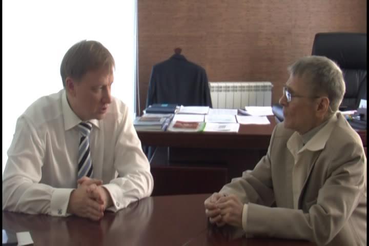 Александр Зимин (справа)