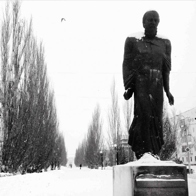 Путешественнице город нравится, а вот великому русскому писателю не очень.