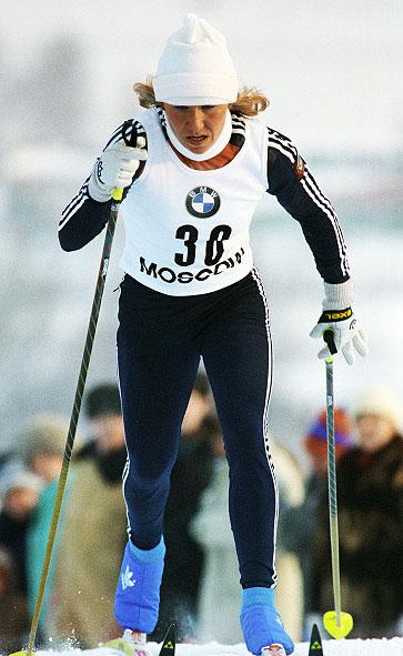 Член сборной команды СССР Анфиса Резцова на этапе Кубка мира по лыжному спорту. 1990 год