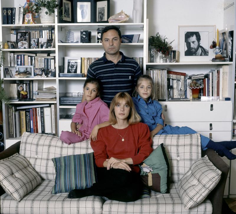 Актриса Вера Глаголева с дочерьми и мужем Родионом Нахапетовым. 1987 г.
