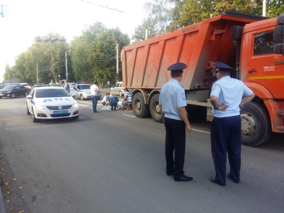 На улице Московской КАМАЗ насмерть сбил ребёнка
