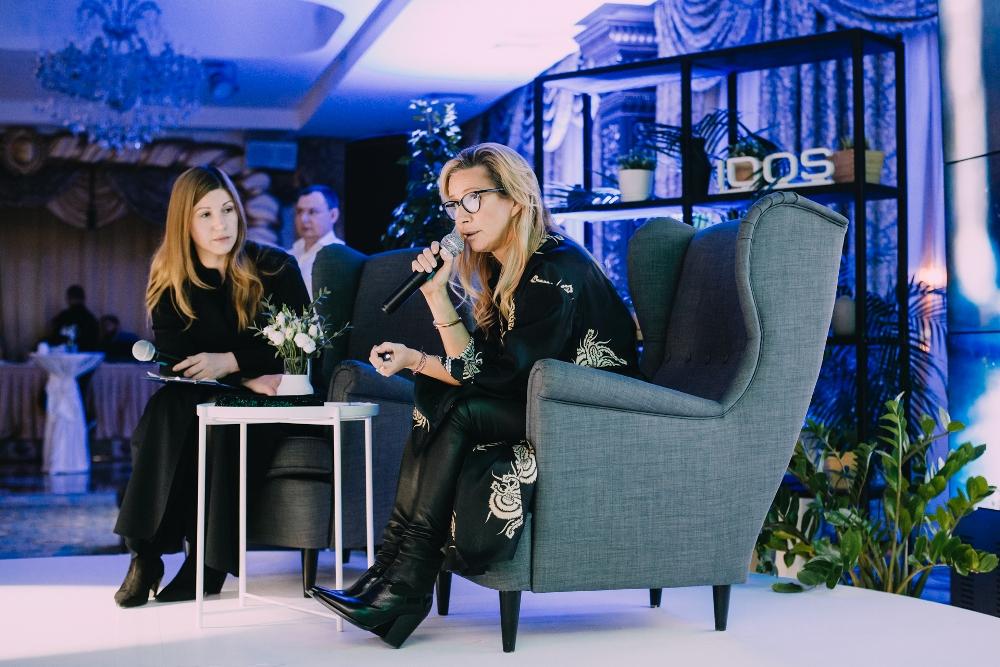 Ника Белоцерковская побывала на открытии магазина IQOS в Челябинске.
