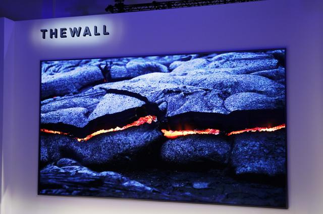 Телевизор The Wall.