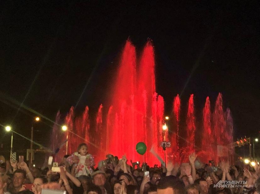Светомузыкальный фонтан на Бульваре Победы в Рязани