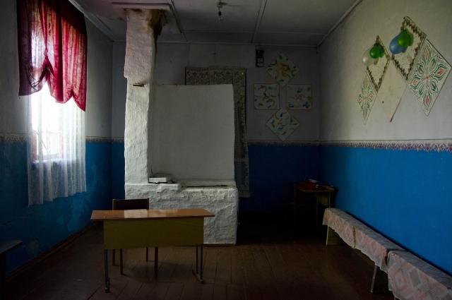 До дня голосования так выглядел избирательный участок № 1308. Это здание клуба в д. Андреевка Оконешниковского района.