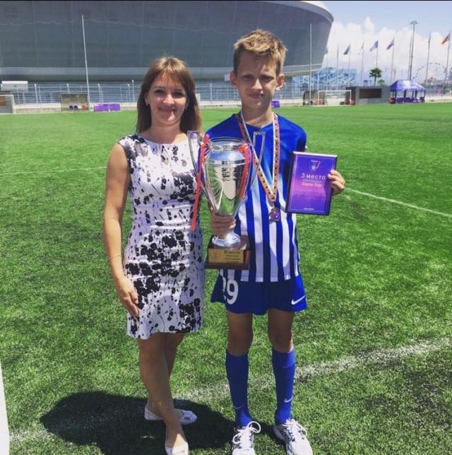 Старший сын Владислав выбрал футбол
