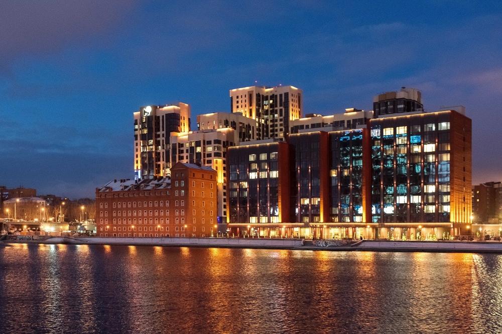 Общая жилая площадь построенных секций — 12 120,1 квадратных метров.
