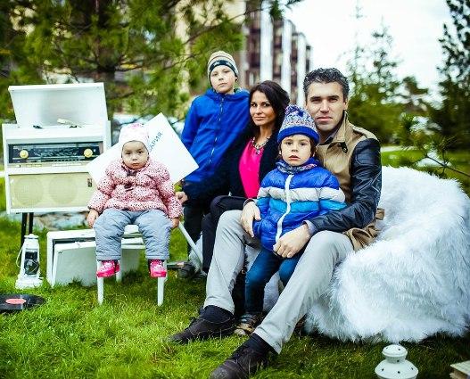 Татьяна Попова с мужем и детьми