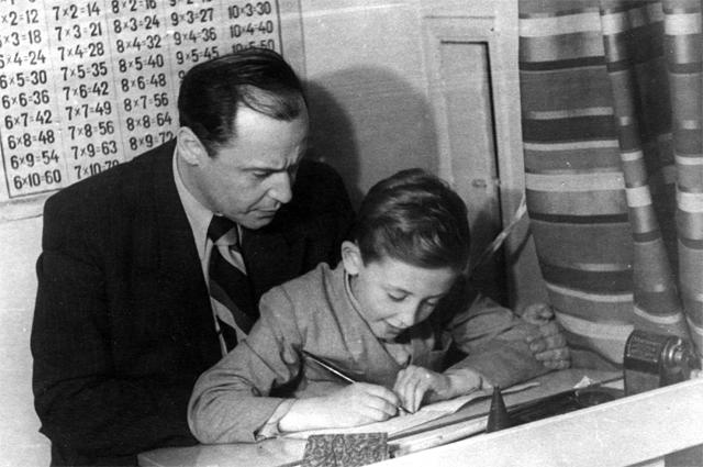 Василий Ливанов с отцом, Борисом Ливановым.
