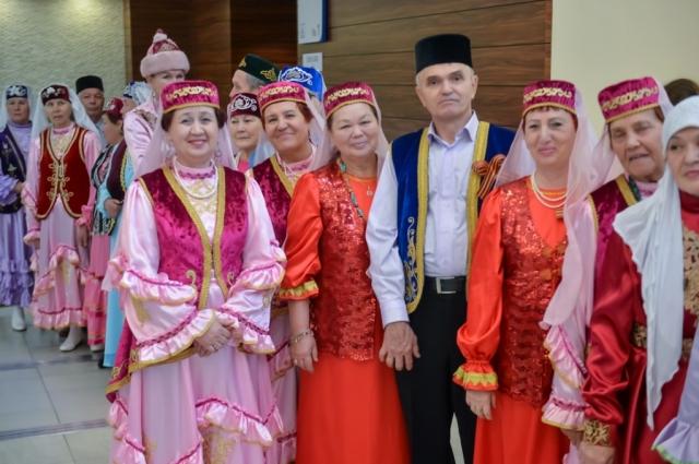 Приморье - многонациональное. Поможет официально трудоустроиться каждому иностранному гостю.
