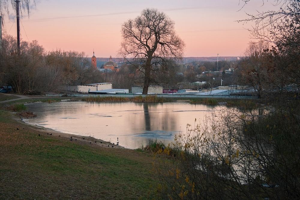 Сами местные жители называли пруд на Пухова жемчужиной района.