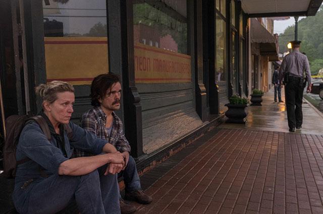 Кадр из фильма «Три билборда на границе Эббинга, Миссури»