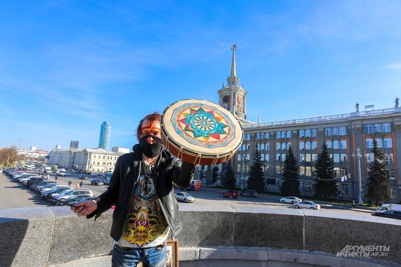 Колдун Симаков становится православным
