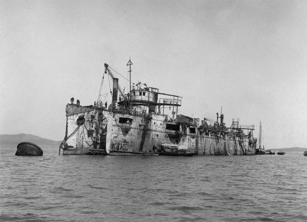 Крейсер «Варяг» после подъёма японцами.