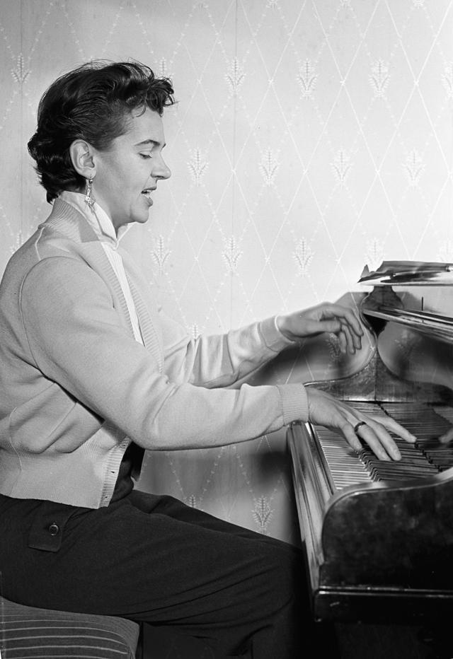 Людмила Лядова. 1957 г.