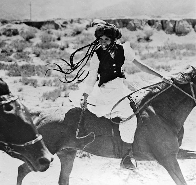 Актриса Наталья Аринбасарова в роли Джамили в одноименном фильме Ирины Поплавской. 1969 год.