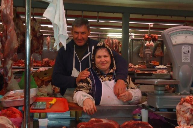 Центральный рынок или старый базар в Ростове-на-Дону – гораздо больше, чем место покупки продуктов. Это еще и прекрасная достопримечательность.
