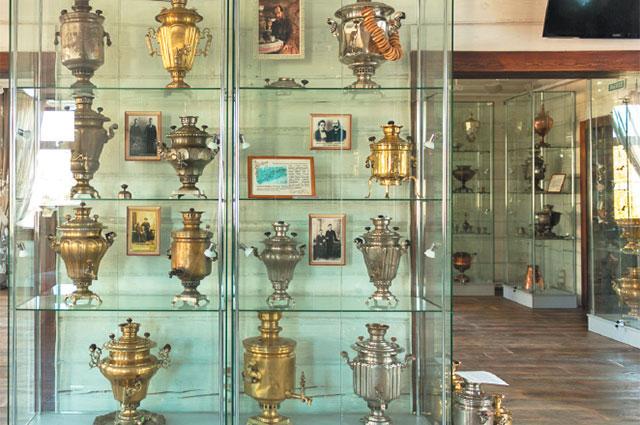 В коллекции Александра Спешилова более двухсот самоваров и аксессуаров для традиционного русского чаепития.