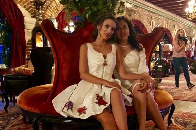 Анна Бирюкова (справа) осталась в памяти коллег жизнерадостным человеком.