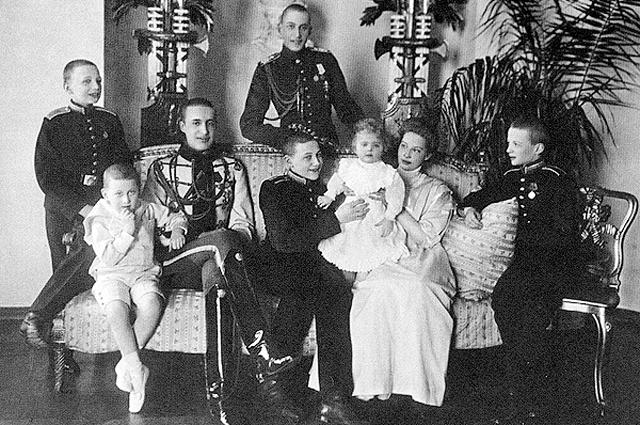 Семья Великого князя Константина Константиновича Романова. 1910 год