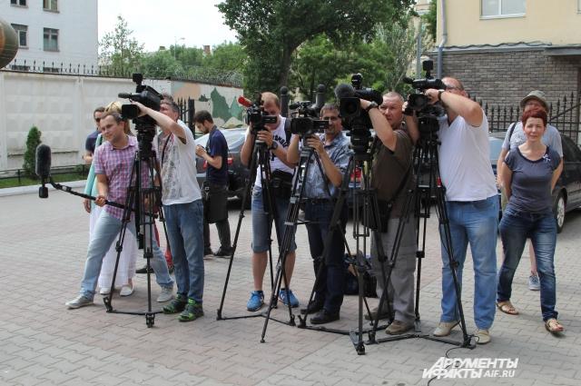 Ростовские журналисты ждали около двух часов, когда их пустят в зал суда