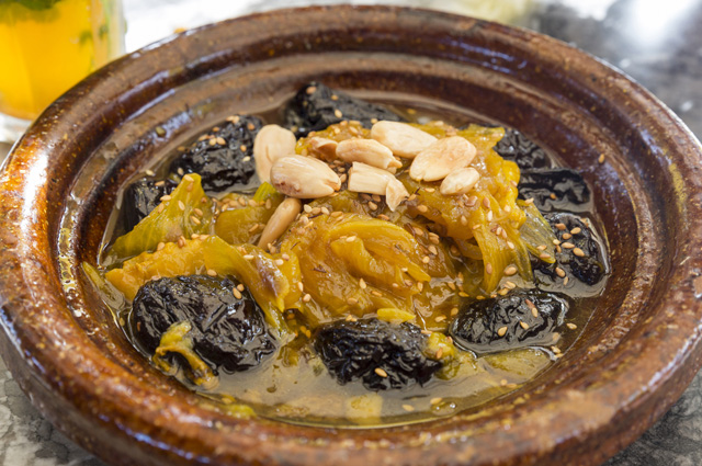 Баранина с медом и черносливом