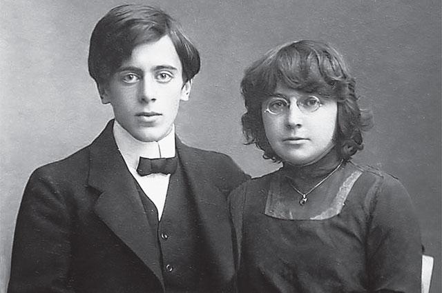 Агент НКВД Сергей Эфрон и поэтесса Марина Цветаева - муж и жена.