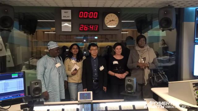 В студии NPR нам показали, как делают американские новости.