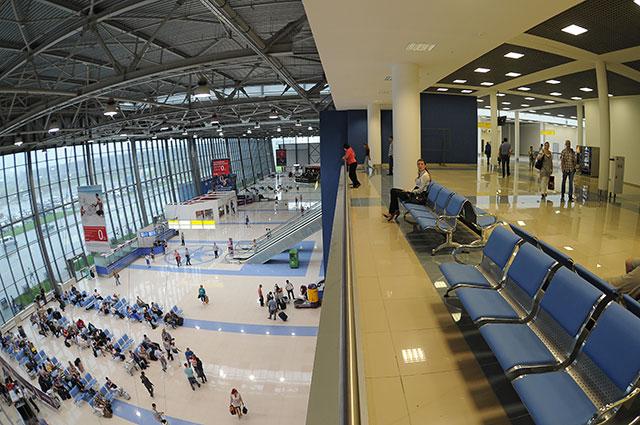 Зал ожидания в новом международном терминале аэропорта «Владивосток».