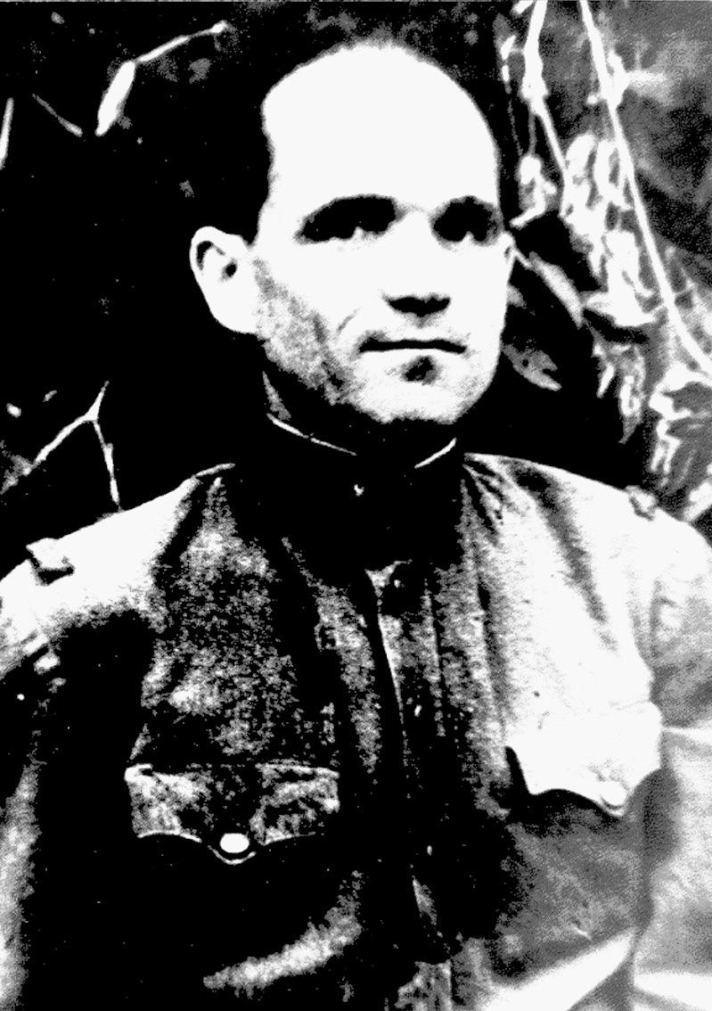 Младший лейтенант Новиченко.