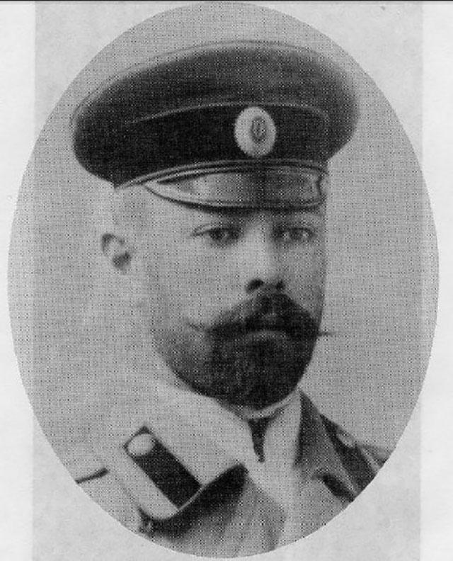 Молодой офицер Антон Деникин, предположительно 1893 год.