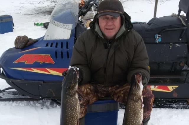 Владимир Борисов тоже рыбачит в Усть-Илимском районе. Судя по фото, места там рыбные.