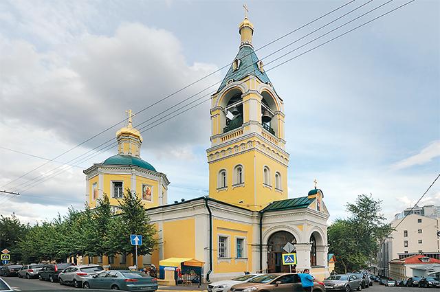 (8) Храм Ильи Пророка во 2-м Обыденском пер., 6, по строили на месте капища Перуна