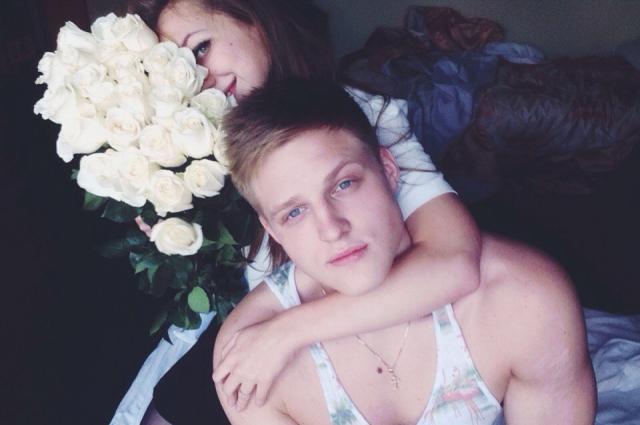 Сергей Кутовой со своей девушкой Полиной.