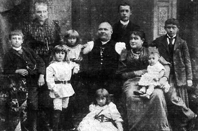 Николай Кобельков в кругу семьи