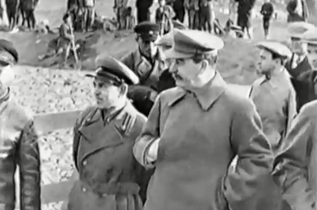 Иосиф Сталин на строительстве канала Москва-Волга. 22 апреля 1937 г.